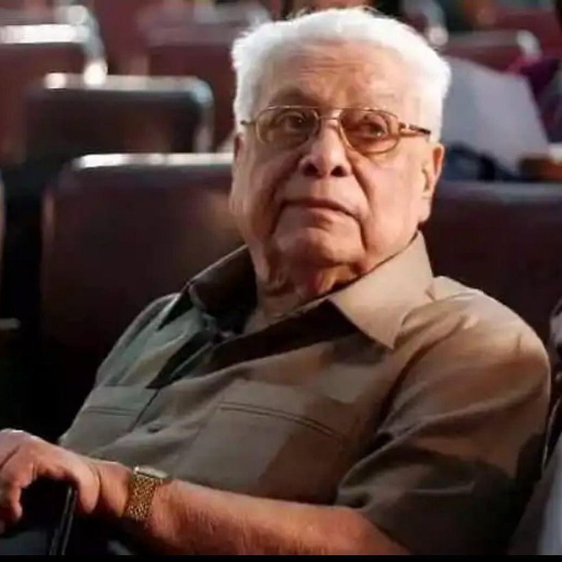 Veteran filmmaker Basu Chatterjee dies at 93; last rites to be held at Santacruz crematorium