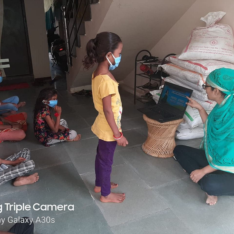 Madhya Pradesh: Barwani's Shivani helping the underprivileged in all possible ways
