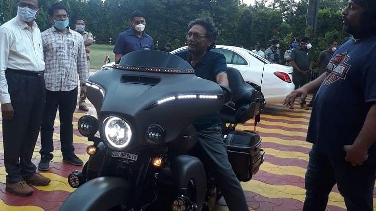 Bike enthusiast CJI Sharad Bobde was 'unaware' that Harley Davidson belonged to BJP leader's son