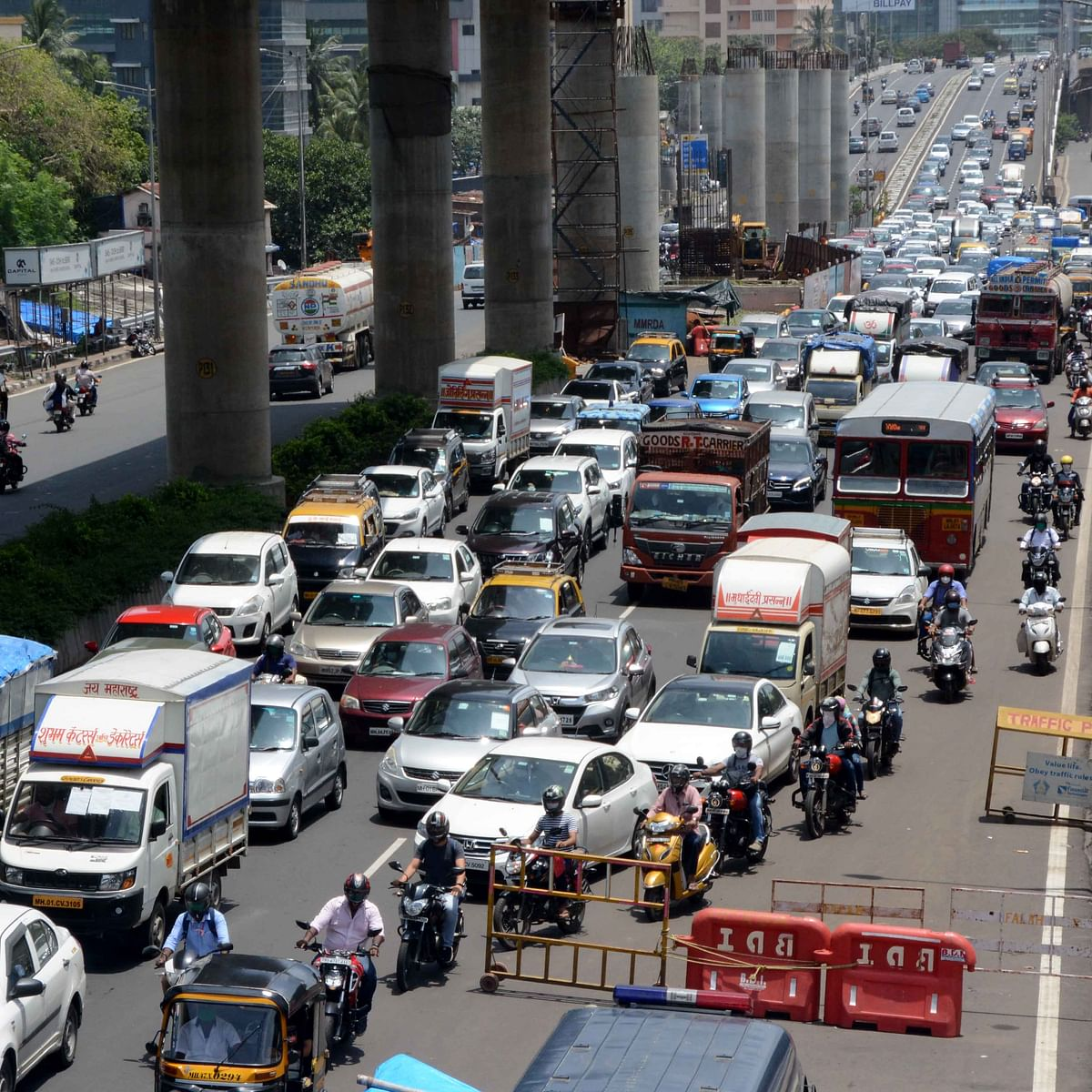Mission Begin Again: Maharashtra govt allows inter-district travel, scraps e-pass; fully 'unlocks' hotels