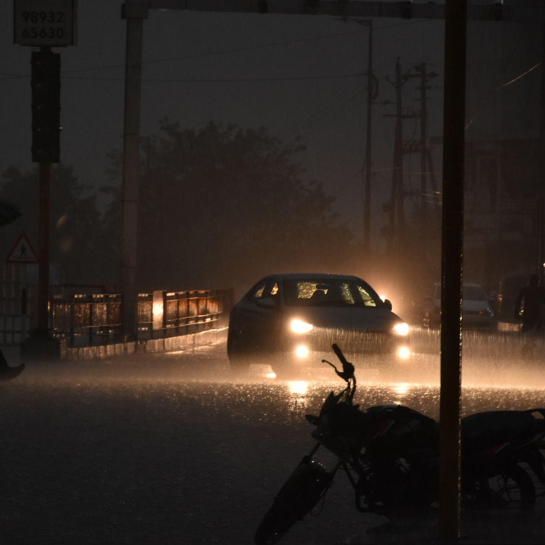 Heavy rain lashes Bhopal, many areas waterlogged