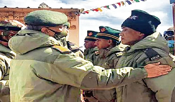 Congress: Trust own leader on Chinese incursions