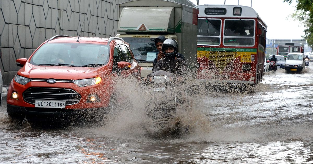 Mumbai wakes up to waterlogging and traffic after receiving just two hours of moderate rainfall