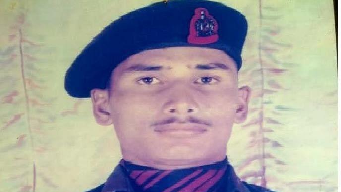 Maharashtra: Army jawan who died while saving colleagues cremated
