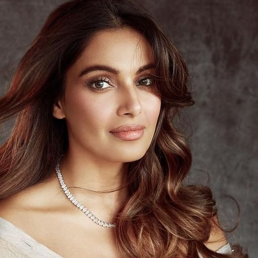 Bipasha Basu gets trolled for lauding HUL's decision of dropping 'Fair' from 'Fair and Lovely'; check out her befitting reply