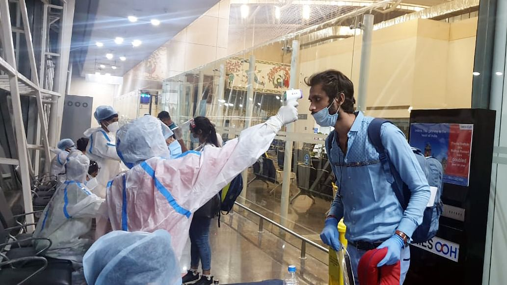 Coronavirus in Mumbai: BMC makes 14 days of home quarantine compulsory for domestic travellers
