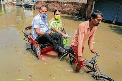 Rain ravages Bihar, 3 lakh hit; orange alert for Delhi