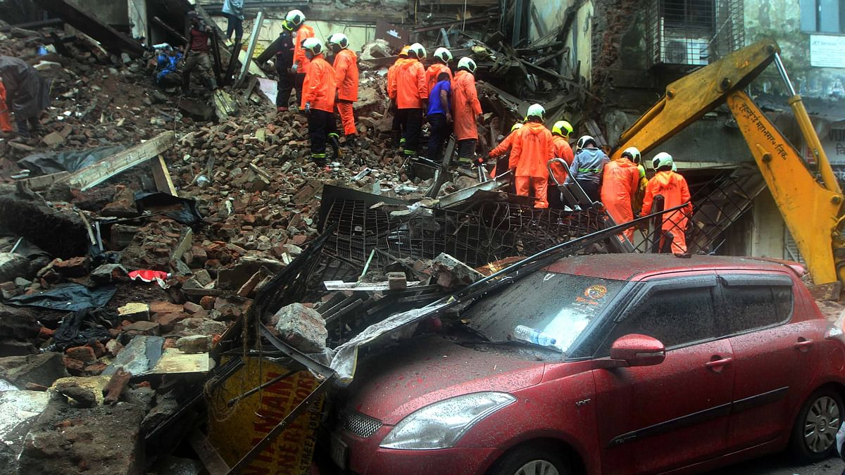 Mumbai: Two die in Malad chawl collapse; Four dead in a MHADA building collapse in Fort