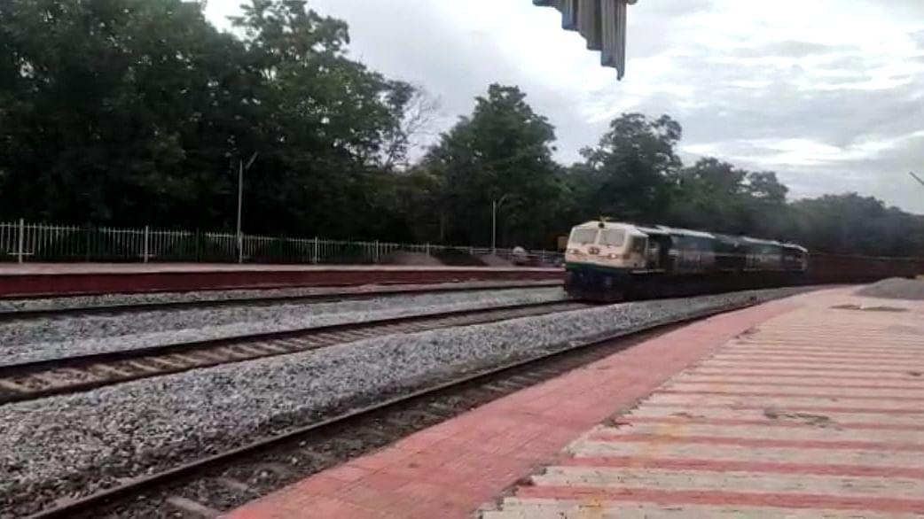 SWR runs first long haul train between Hosapete and Tinaighat