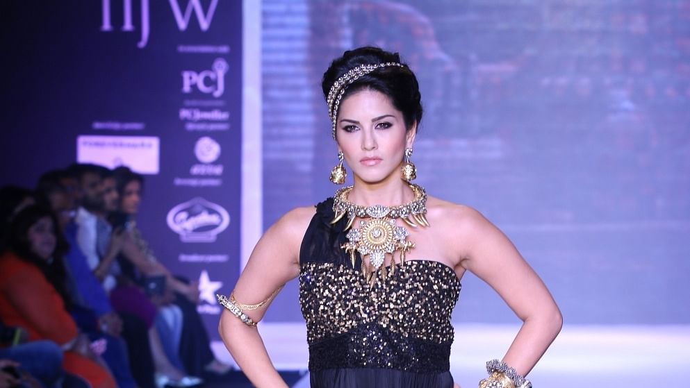 Chilly morning at the beach: Sunny Leone enjoys day out at a beach