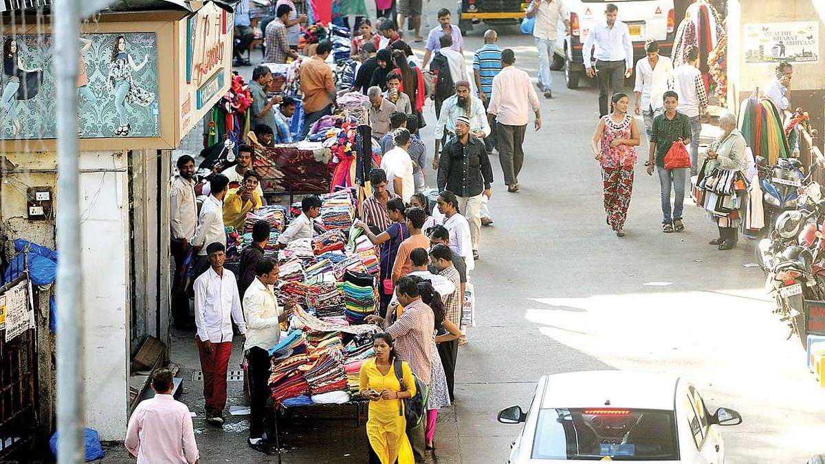Coronavirus in Thane: TMC crackdown on 250 illegal hawkers