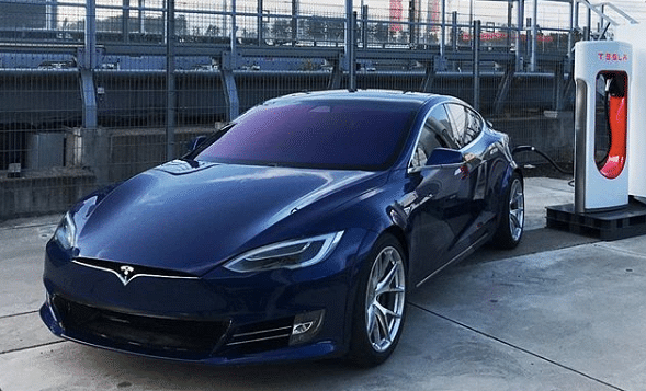 In the past week, Tesla's valuation rose by Rs 1.04 lakh crore per day for five consecutive days