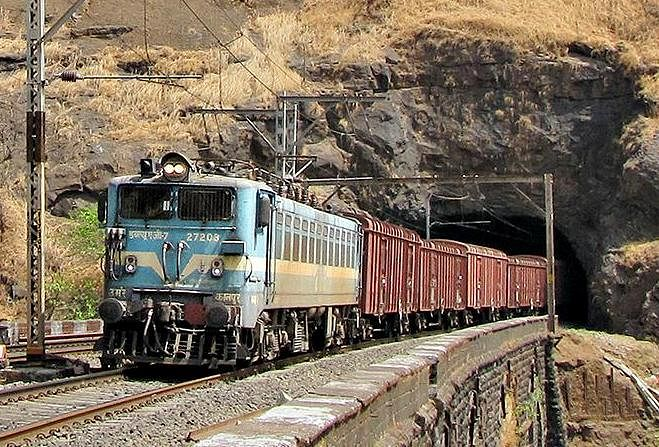 Mumbai Division of Central Railway carries 1.08 lakh wagons of freight traffic since lockdown
