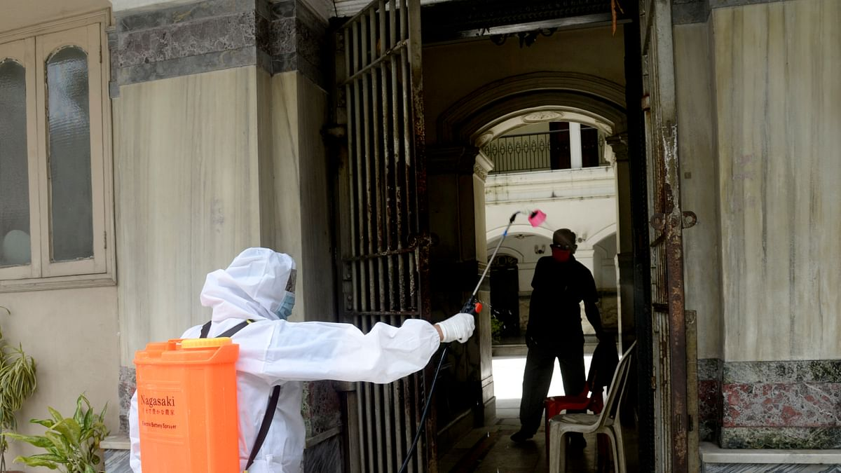 Lockdown does not help to control spread of coronavirus, say health experts