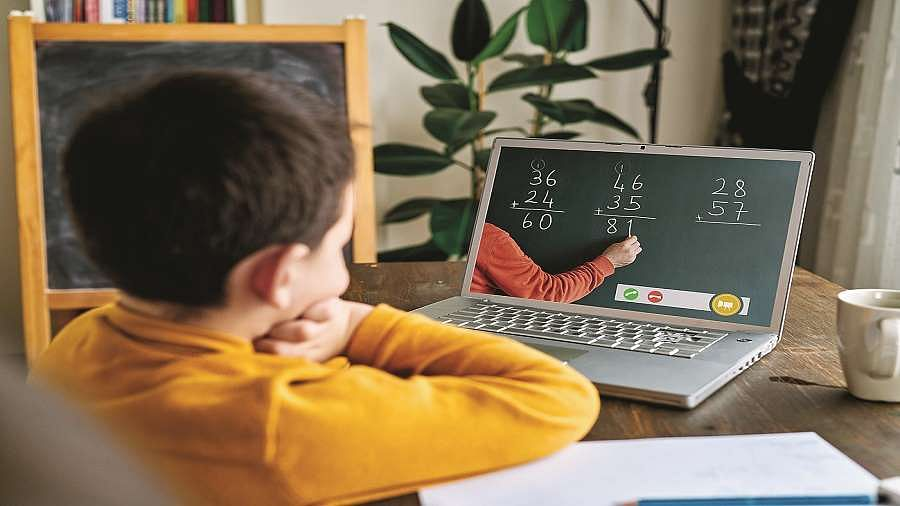 Ground-level difficulties of online classes