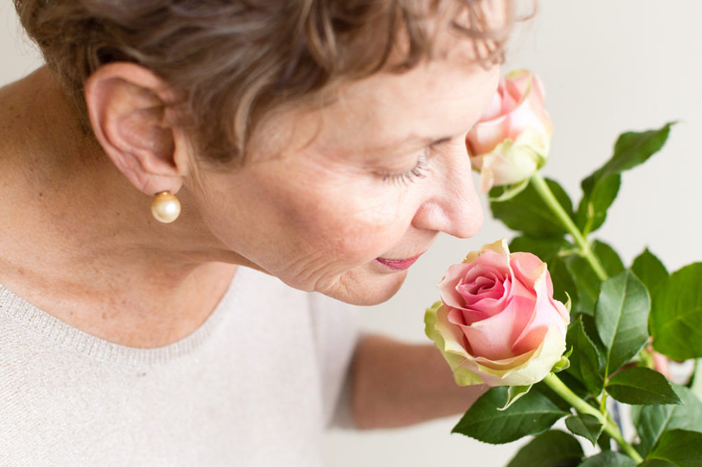 Older adults who can distinctively smell roses may have lower risk of dementia: Study