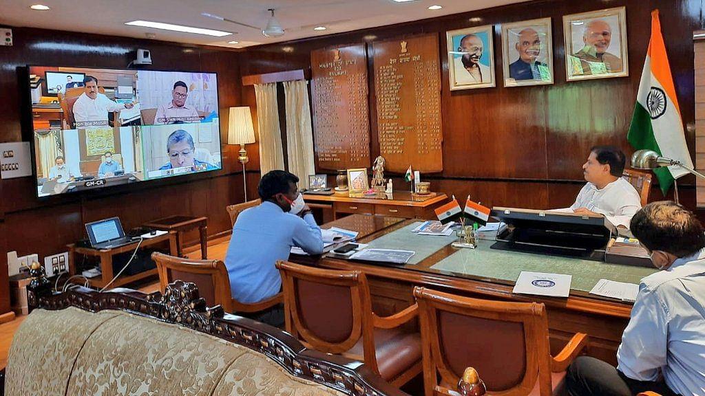 MOSR Suresh Angadi reviews Londa-Miraj and Gadag-Hotgi Doubling project