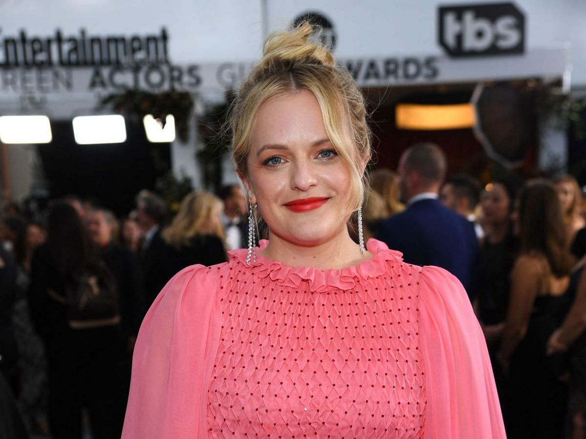 I'm good at fighting back if I need to: Elisabeth Moss