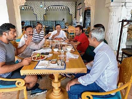 Congress MLAs chill in luxury