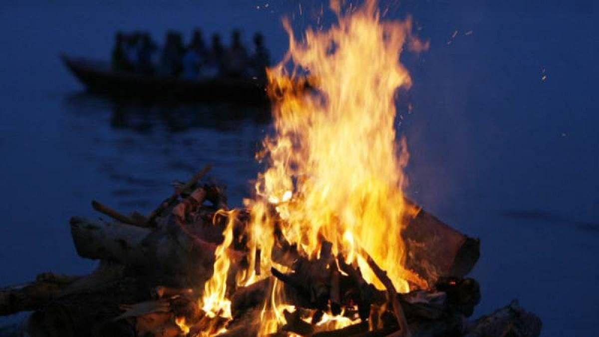 Indore: Family cremates stranger after hospital exchanges bodies