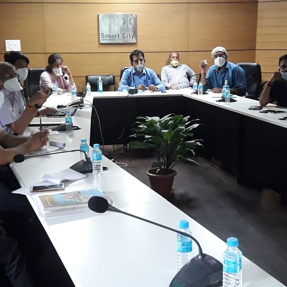 Indore: MP Shankar Lalwani takes review meeting on Smart City projects