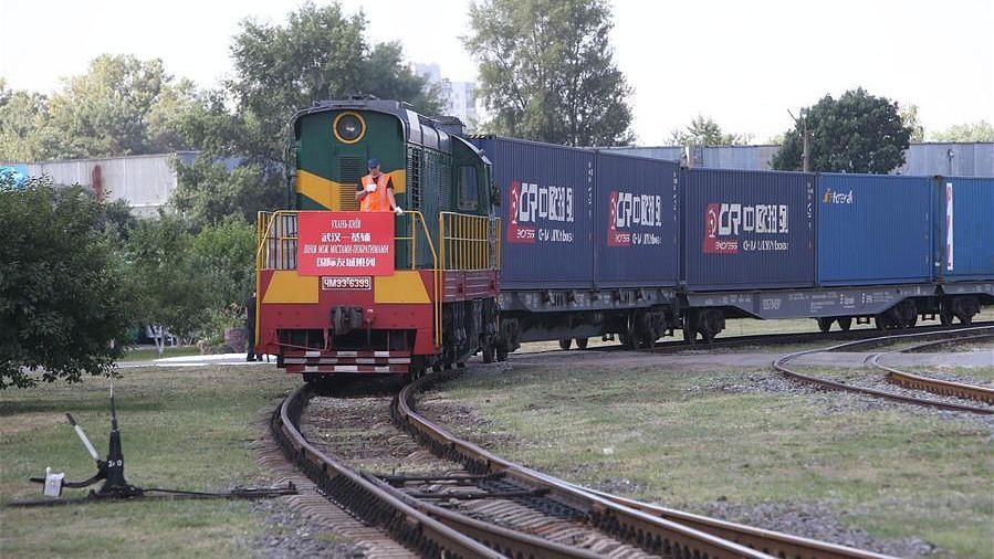 A container train from China's Wuhan entering a railway station in Kiev, Ukraine. The first direct container train, which left the central Chinese city of Wuhan on June 16, arrived in Kiev Monday, opening up new opportunities for China-Ukraine cooperation, said Ukrainian officials.