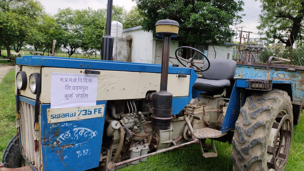 Madhya Pradesh: After Betul, Discom seizes tractor, bike of farmers over electricity dues in Raisen