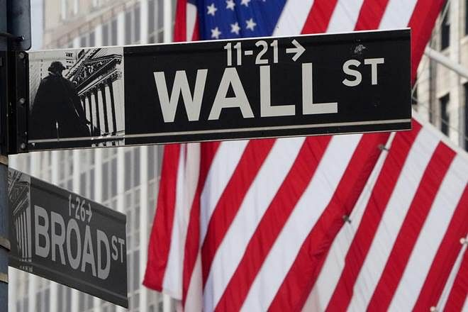 Wall Street closes higher, S&P 500 pass 4,000 points; Microsoft, Apple, Facebook among others gain