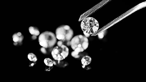 Madhya Pradesh: 189 diamonds worth Rs 1.61 cr found in Panna to be auctioned from March 15
