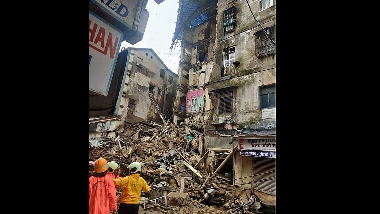Mumbai Building Collapse in Fort Area: Several trapped, rescue operations underway