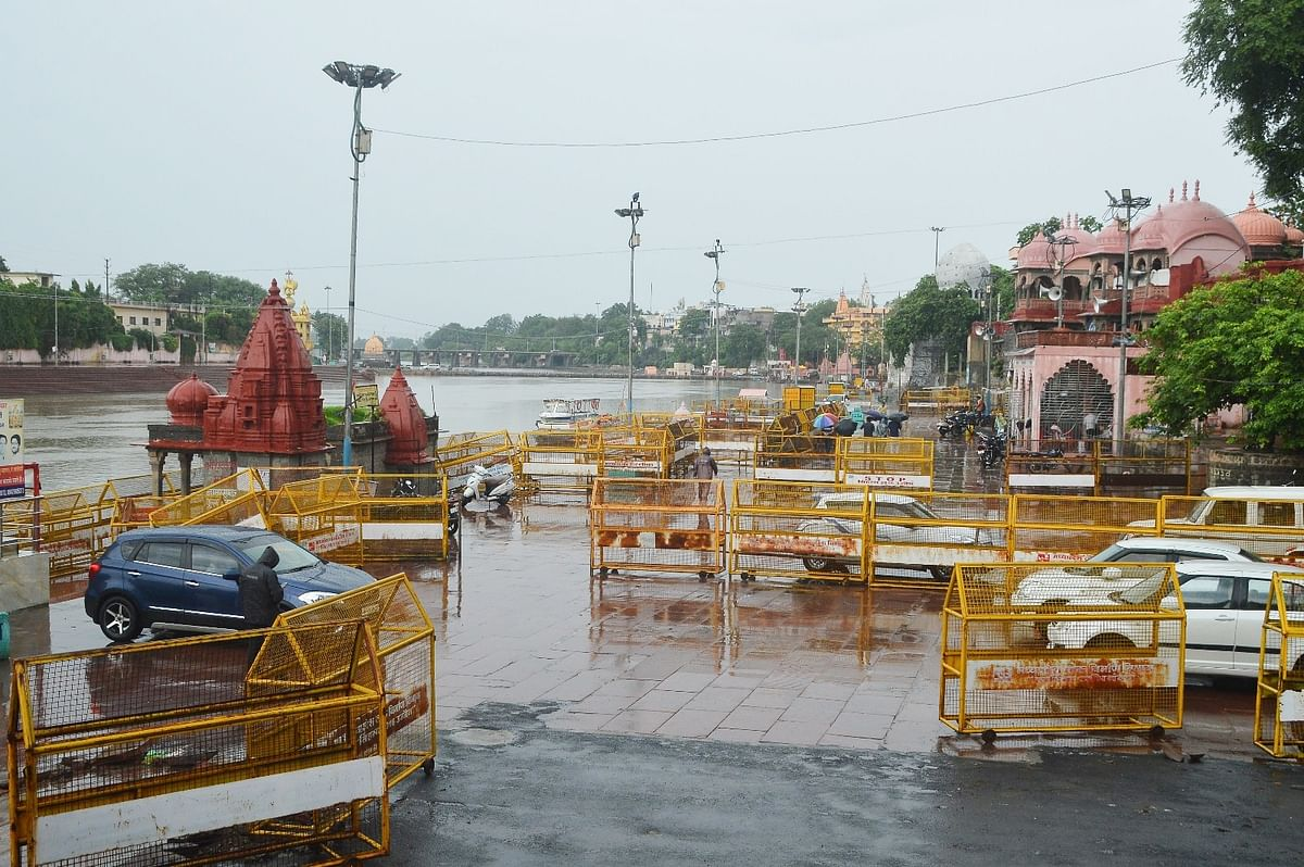 Barricades have been put between Ram Ghat-Siddh Ashram stretch of the river Kshipra in view of first procession of Lord Mahakal during Shravan-Bhadav month slated for Monday.