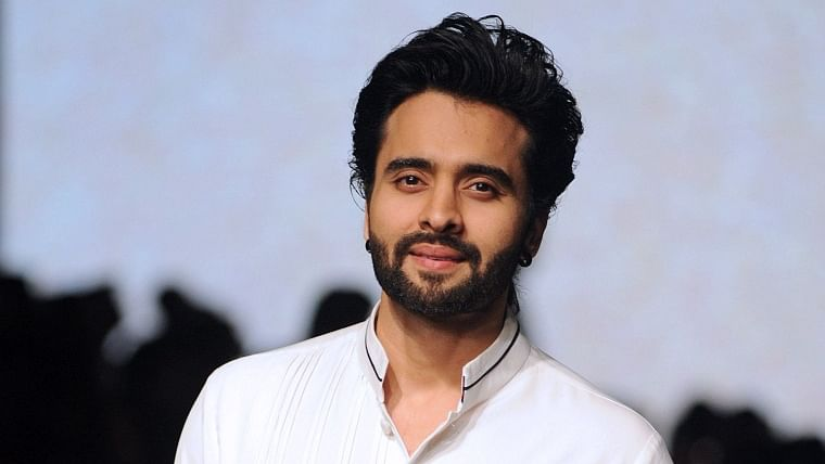 Jackky Bhagnani extends support to 600 dancers and their families