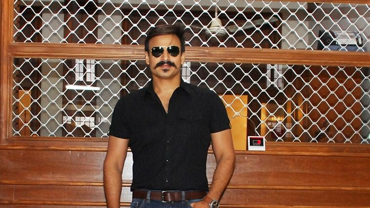 Vivek Oberoi joins Rajeev Sen's debut movie 'Iti: Can You Solve Your Own Murder?'
