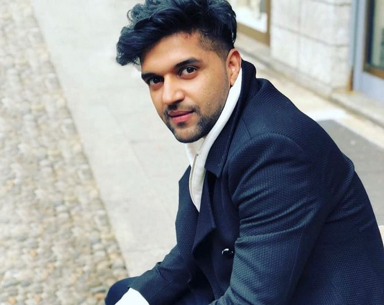 Guru Randhawa performs first live gig amid coronaviris crisis