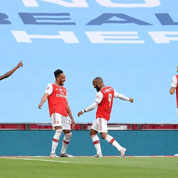 Arsenal defeats Manchester City 2-0 to reach FA Cup final