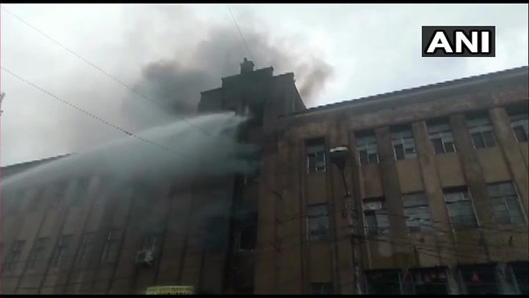 Fire breaks out at multi-storey building in Kolkata; 7 fire tenders rushed to spot