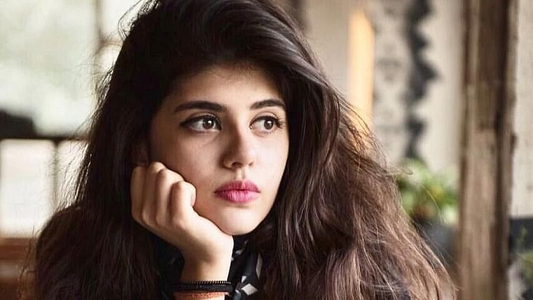 'I'm feeling equal amount of numbness and gratitude', says 'Dil Bechara' actor Sanjana Sanghi