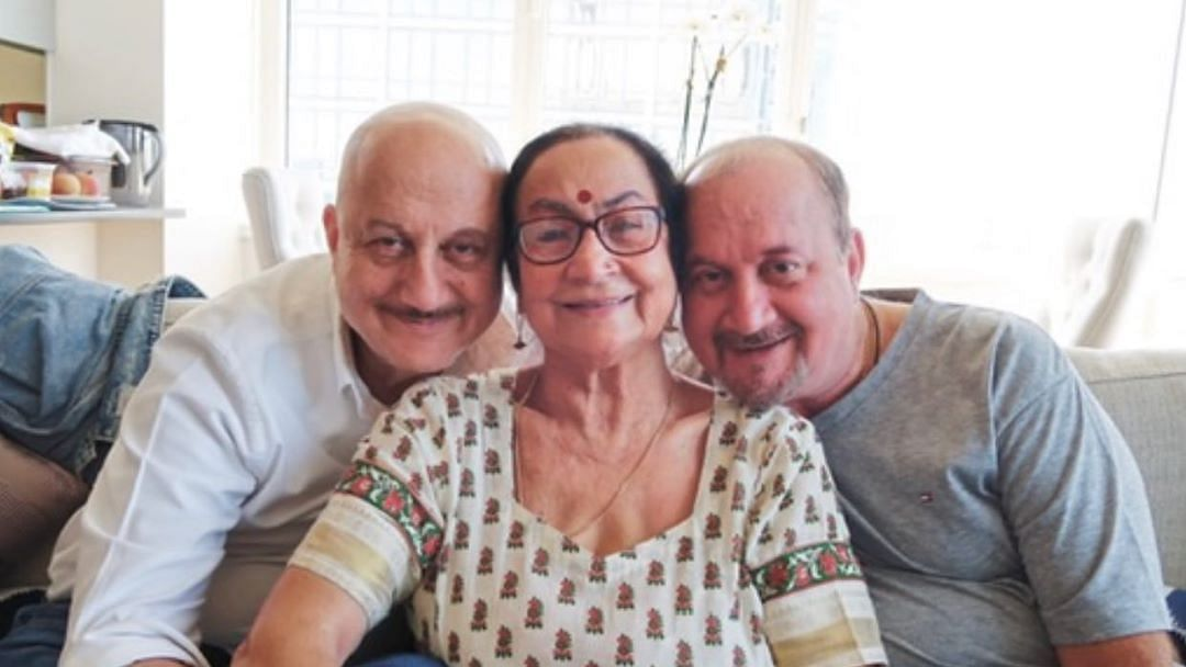 Anupam Kher's mother declared healthy after being COVID-19 positive;  to now quarantine at home
