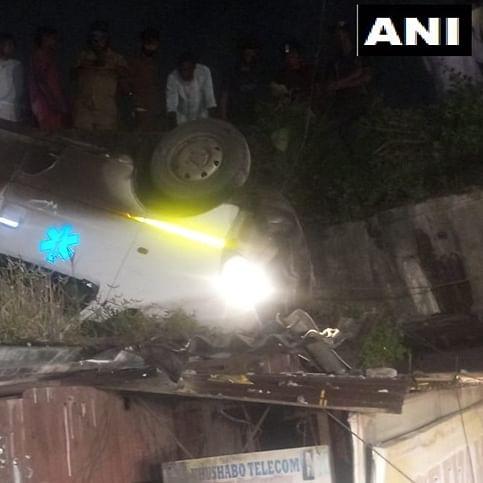Mumbai: Ambulance falls off Amar Mahal flyover in Chembur, two injured