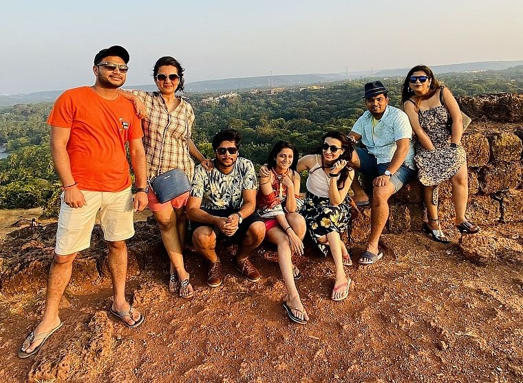 Aarohi Patel (Centre) with her gang of friends in Goa