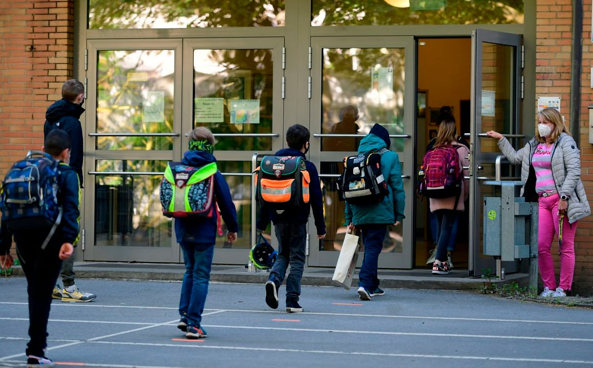 US school reopening: Different state, different criteria