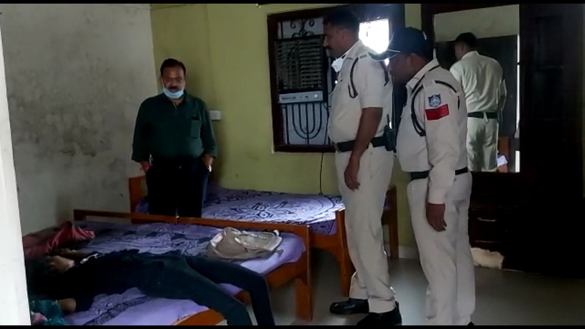Cops searching room of guesthouse