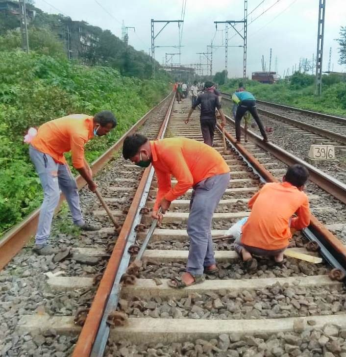 CR carries out maintenance works during mega block