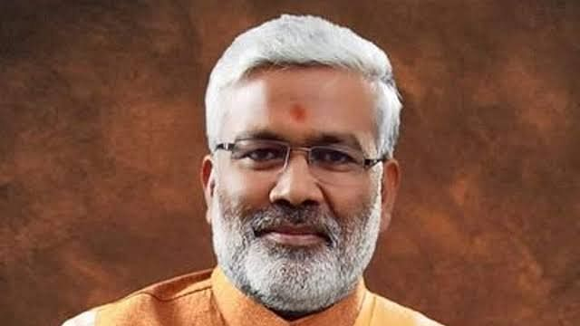 BJP chief Swatantra Dev Singh also tests positive Ahead of poojan, UP minister dies of virus