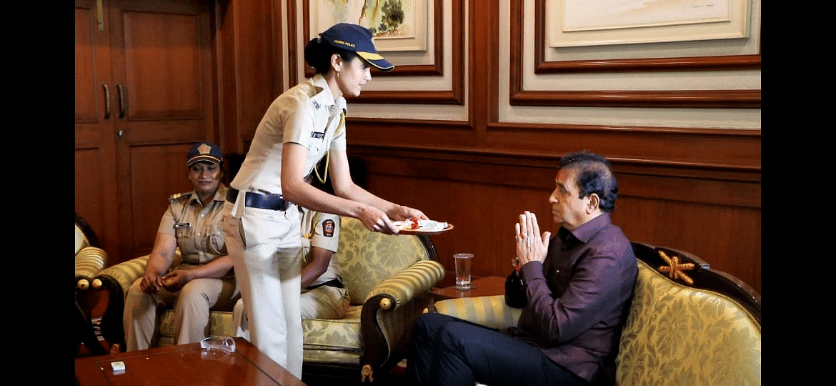 Anil Deshmukh celebrates Raksha Bandhan with Mumbai cops; Twitter asks 'where is your mask?'