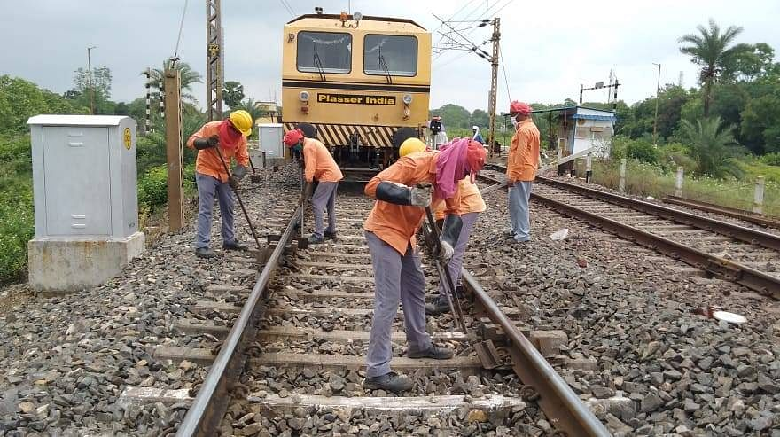 Mega blocks on Central Railway's Main, Harbour lines today