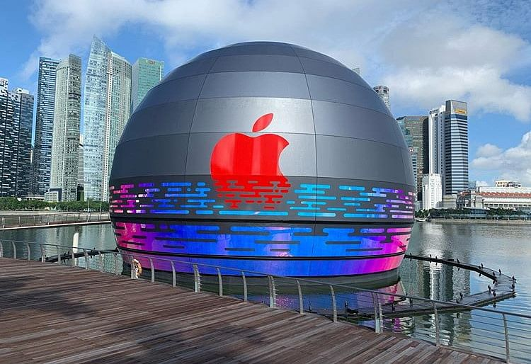 World's first floating Apple store to open in Singapore