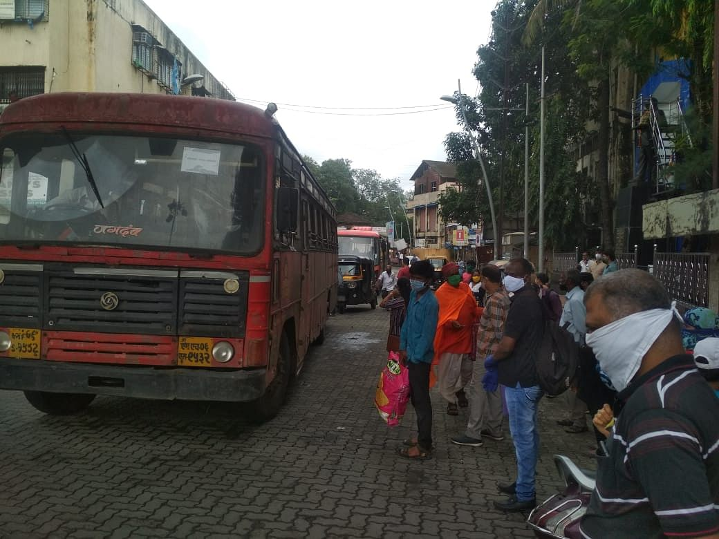 Coronavirus in Kalyan-Dombivali: KDMC's hair-raising unsafe bus stops