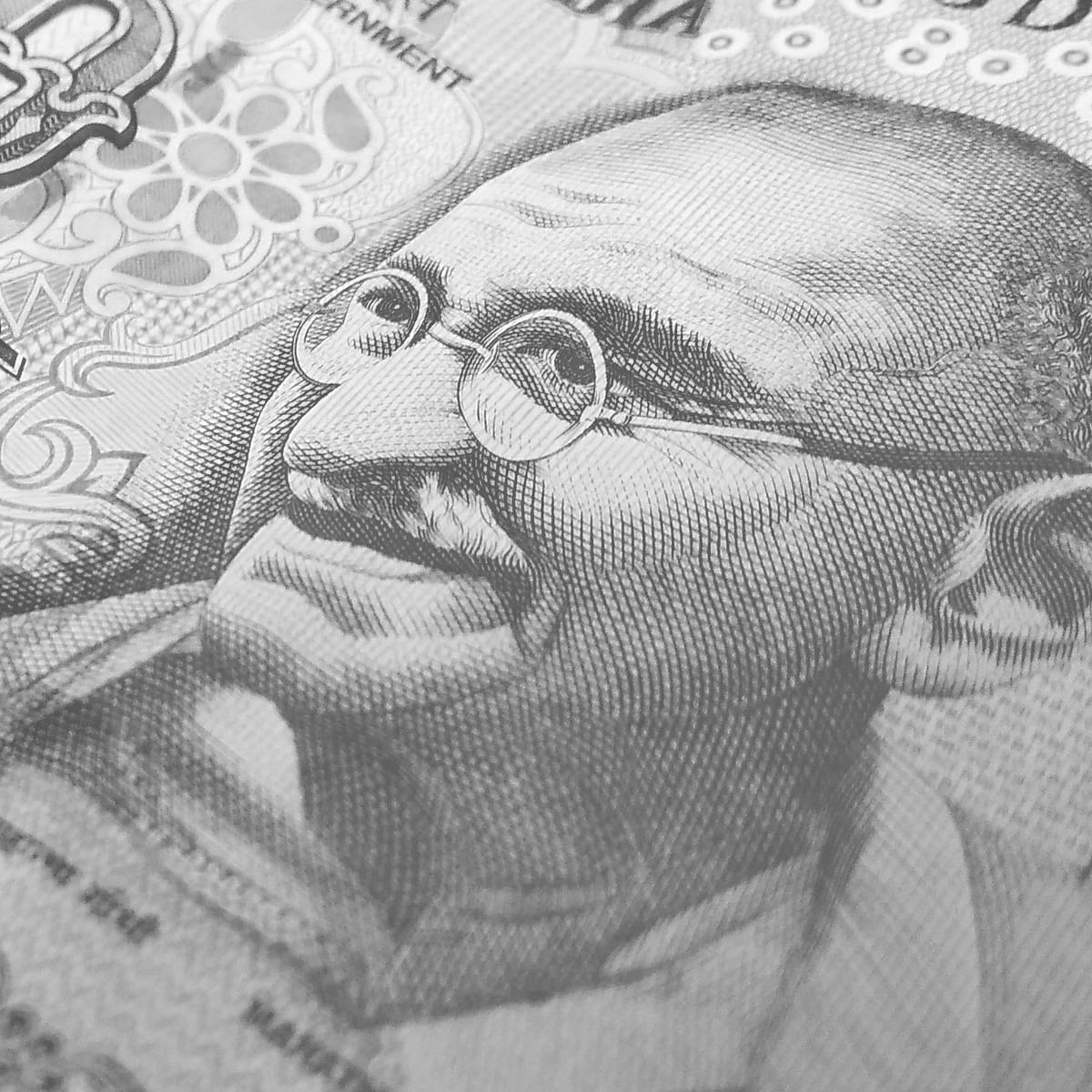 Rupee slips 2 paise to close at 74.20 against US dollar
