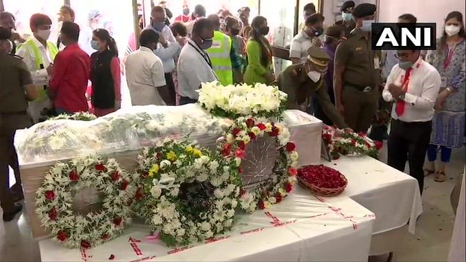 Pilots, crew of Air India and ground staff paid tributes to the late captain at the airport.